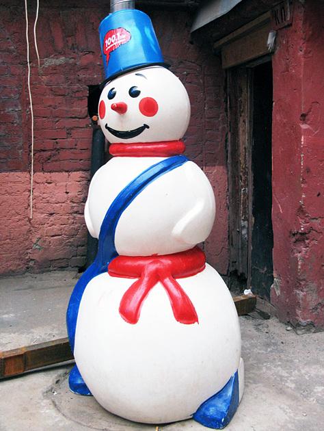 Как сделать снеговика из подручных средств своими